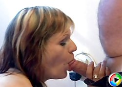 Old bimbo banged by senior